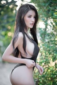 Ази охидын эротик зургууд сошиалыг солиоруулж байна...+`18