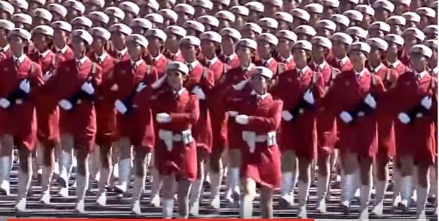 """Хятад бүсгүйчүүдийн цэргийн парад """"КАТЮША""""-г дуулж байна"""