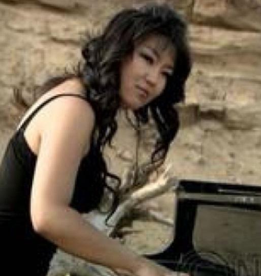 Тань руу нүүж явна - /Төгөлдөр хуурч Ами/