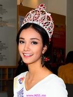 Мьянмарын мисс 200 саяын титэм аваад зугтажээ