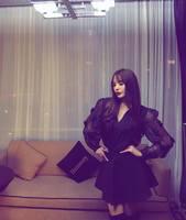 Трансжендер Солонго: Эмэгтэй хүн байж надаас дор харагдаж яваадаа ич