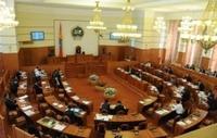 Засгийн газрын зөвшилцөл парламентад хамаагүй шүү, гишүүд ээ!