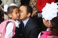 Л.Гантөмөр сайд аа, монгол хүүхдийнхээ хэмжээнд тохирсон дүрэмт хувцас үйлдвэрлэж болохгүй гэж үү