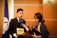 """Нийслэлийн Засаг даргын нэрэмжит """"Шилдэг сурагч"""" шагналаар 23 сурагчийг шагналаа"""