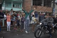 Олимпийн алтан медальт, жүдоч Р.Силва өөрийн төрсөн ядуусын хороололдоо ирлээ