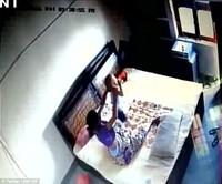 Нууц камерын бичлэг үзээд шоконд оржээ