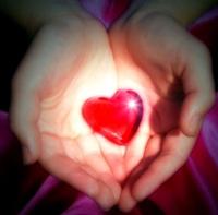 Хайртынхаа нууцыг мэдье гэвэл гарыг нь сайн хар....
