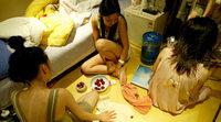 Хойд Солонгосын биеэ үнэлэгчдийн амьдрал