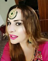 Пакистанд трансжендерүүдийг пасспортыг солих болжээ