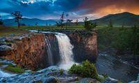 Монгол нутгийн гайхамшиг буюу аялал хийхэд хамгийн тохиромжтой газрууд