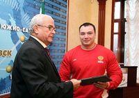 Дэлхийн аварга А.Драчевын аминд хүрсэн залуу зугтжээ