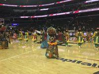 NBA-ын талбайд морин хуур эгшиглэж, монгол соёл зочлов