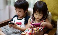 """""""Хүүхэддээ гар утас өгч тоглуулах нь ийм хор хөнөөлтэй"""""""