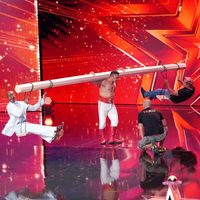 """Циркчин Б. Баттулга Германы """"Супер авьяастан"""" шоуны эхний шатанд тэнцжээ"""