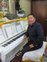 С.Хатанбаатар: Ганц аялгуу зохиочихоод хөгжмийн зохиолч гэдэг алдар нэр зүүдэг улс олон болчихлоо