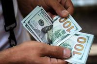 """Андуурах хэрэггүй, долларын ханш """"хөөрөхгүй"""""""