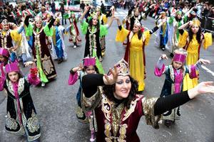 300 гаруй сая хүн Наурызын баярыг тэмдэглэнэ