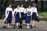 Хойд Солонгосын эмэгтэйчүүдийг богино үстэй байхыг шаарджээ