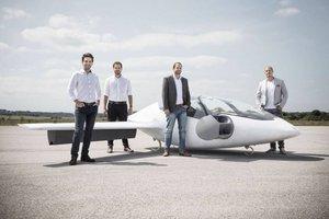 """""""Lilium"""" компани жолоочгүй нисдэг таксины төсөөллөө танилцууллаа"""
