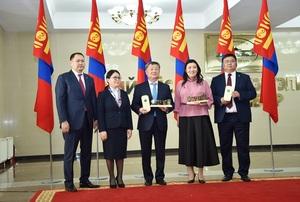 Голомт банк Монгол Улсын ТОП-100 аж ахуй нэгжээр 16 дахь жилдээ өргөмжлөгдлөө
