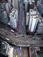 Хонгконгийн эсэргүүцлийн жагсаал нэг иймэрхүү болдог