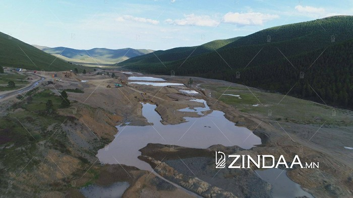 """""""Алтай голд"""" ХХК Орхоны эх цутгал долоон голын зургааг нь булж, ширгээжээ"""